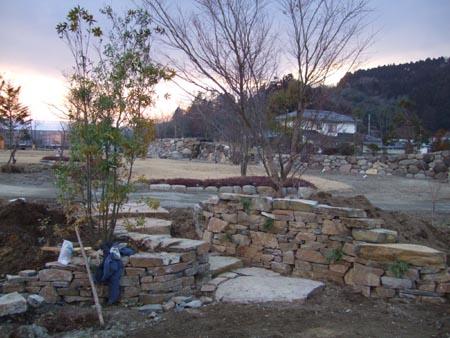 2008_0222場内石積み0003