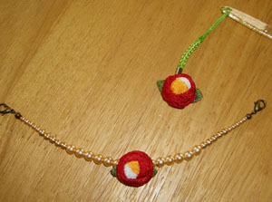 椿根付と羽織紐