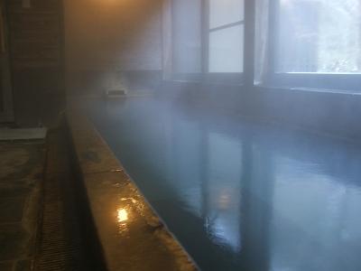 藤もと大浴場・右側・内湯