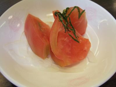 花木の宿 朝食 トマト(サラダ)