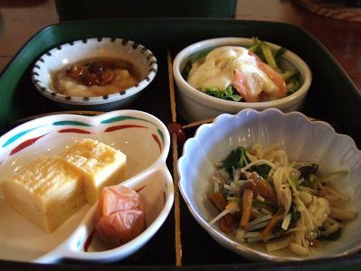 栗駒山荘朝食 おかず(2日目)