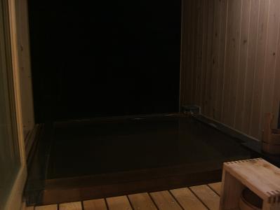 もずも 部屋付露天風呂(夜)