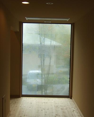 もずも 廊下の窓(和紙でスリガラス風)