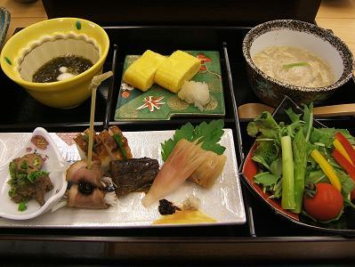 渓流荘しおり絵 朝食おかず(玉子焼き)
