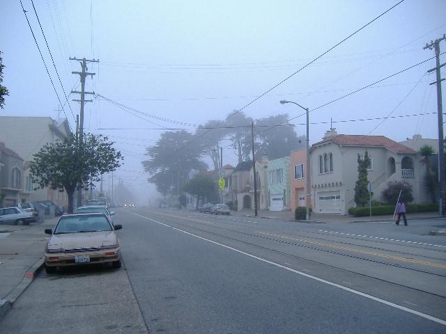 霧がいっぱい、寒い!