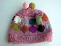 手編みのボンボンニット帽!