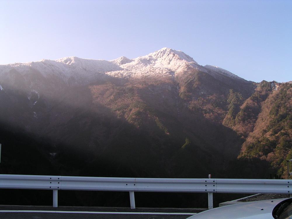 冠雪の四国山脈