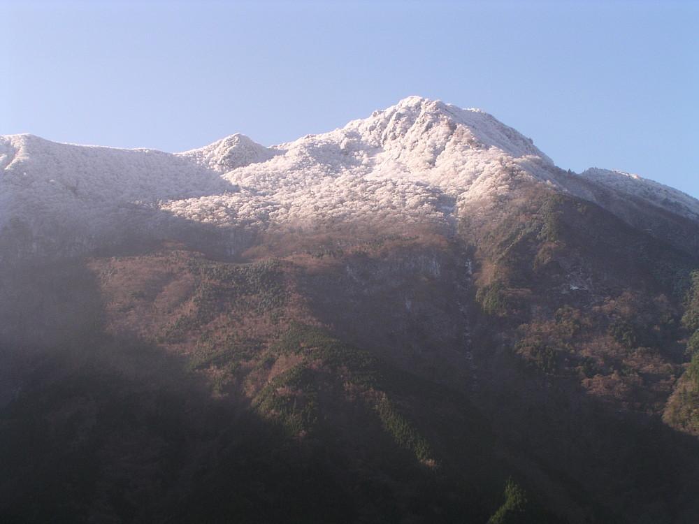 四国山脈の冠雪