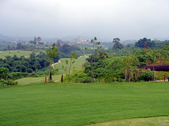 マウンテンビューゴルフ場から眺めた風景