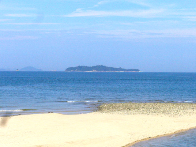 唐子浜海岸から海を見る