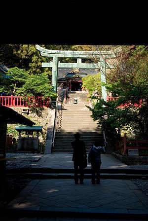 久能山東照宮楼門の先の鳥居