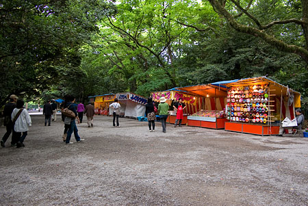 熱田神宮参道の露天