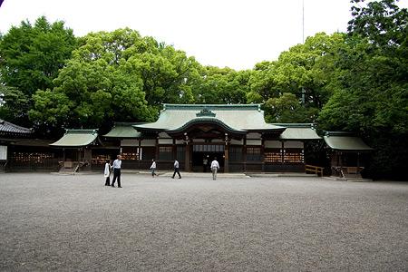 熱田神宮上知我麻神社拝殿