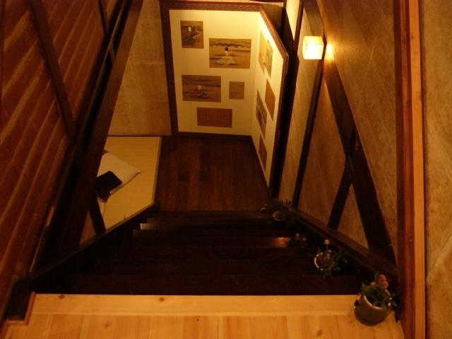 ユナイテッドバンブー2階階段から見おろす