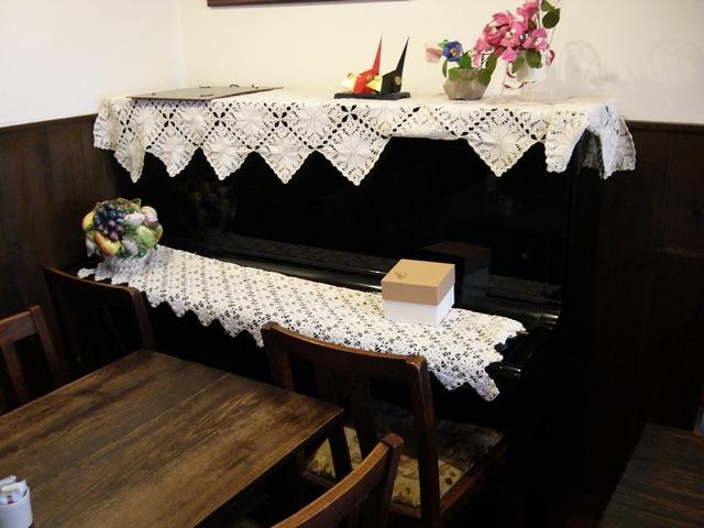 オリコーヒー店内ピアノ