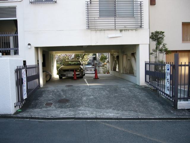 いち倫駐車場02