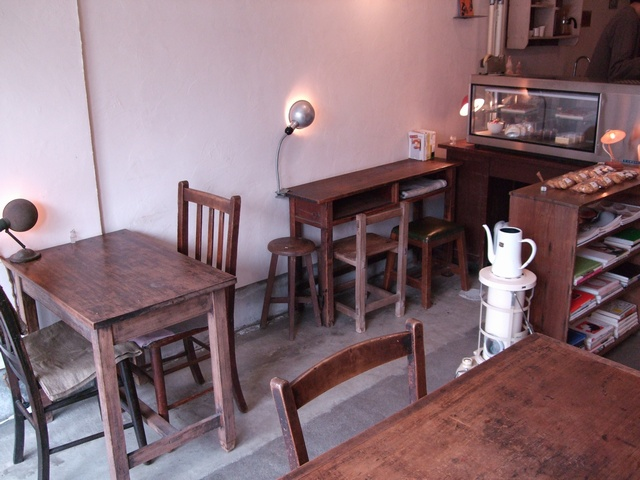cafe tomiyama 店内01